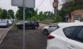 Газон сквера превратили в парковку.