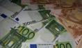 Евро и доллар подорожали.