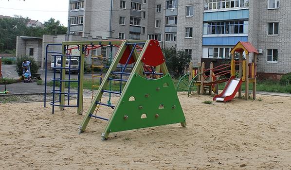 К детских площадкам у общественников большие вопросы.