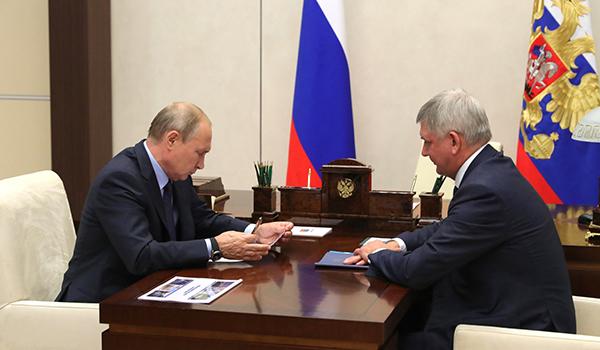 Владимир Путин и Александр Гусев.