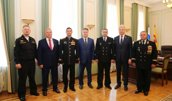 Воронеж посетила делегация атомного подводного крейсера.