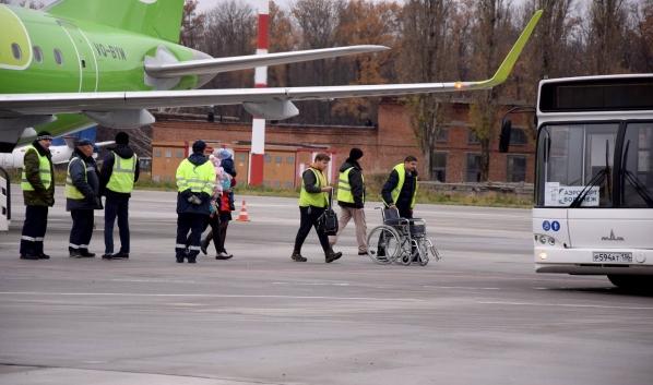 Самолет сел в Воронеже, хотя летел в Брянск.