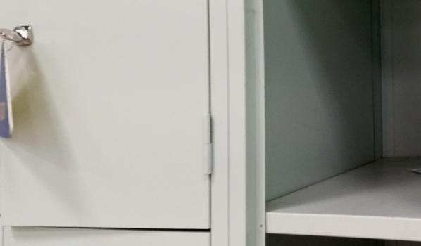 Вещи украли из камеры хранения.