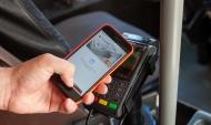 Оплатить проезд можно с помощью смартфона.