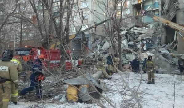 В Магнитогорске обрушился подъезд жилого дома.