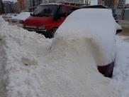 Уборка снега весьма популярна.