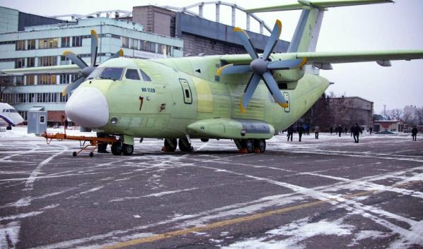 Ил-112В.
