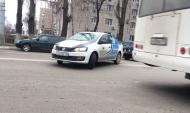 Машина платных парковок нарушили ПДД.