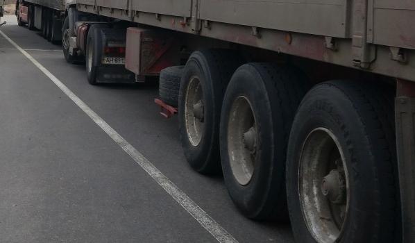 Грузовикам по выходным запретят ездить через Лосево и Павловск.