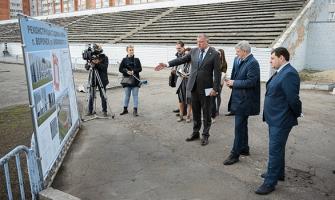 Александр Гусев посетил стадион «Буран».
