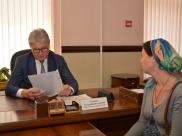 Владимир Ходырева провел личный прием граждан.