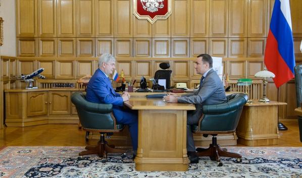 Александр Гусев провел встречу с Евгением Хаминым.