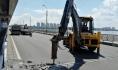 На Северном мосту идет ремонт.