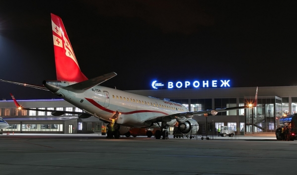 Самолет Georgian Airways в Воронеже.