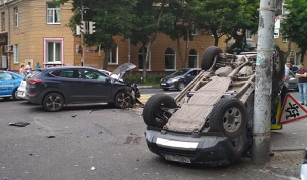 Авария произошла на Студенческой.