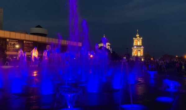 Сухой фонтан на Советской площади.