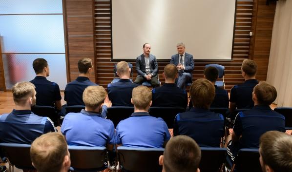 Встреча губернатора с командой «Факела».