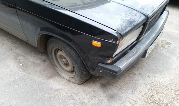 Парень продал чужую машину.