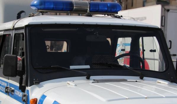 Полицейские задержали подозреваемых.