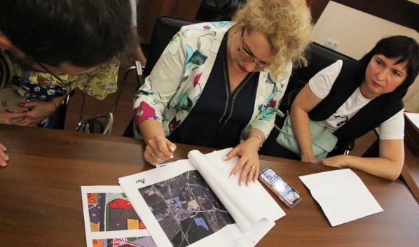 Инициативная группа добивается строительства школы в микрорайоне.
