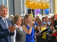 Владимир Ходырев на торжественно церемонии открытия школы.