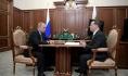 Путин повысил зарплату себе и Медведеву.