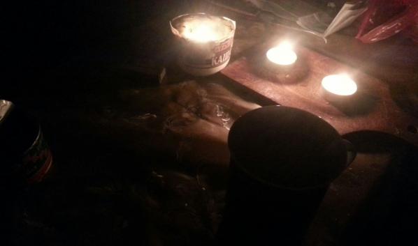 Жители сидели без света.
