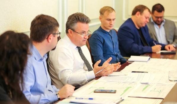 Вадим Кстенин на встрече с редакторами.
