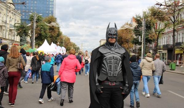 В Воронеже безопасность горожан обеспечивали люди без удостоверений ЧОП.