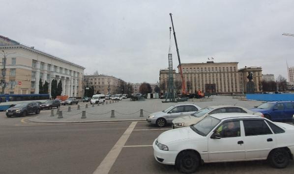 Установка ёлки в Воронеже.