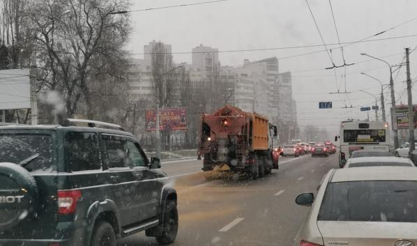 Спецтехника на дорогах в Воронеже.