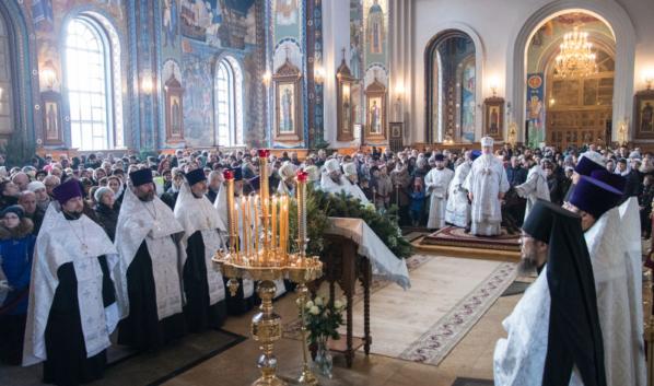 Праздничное богослужение в Благовещенском кафедральном соборе.