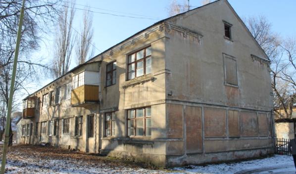 Аварийный дом на улице Питомник.