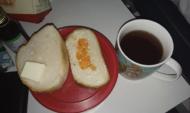 Вот такие бутерброды давали в больнице.