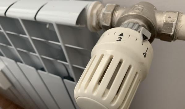 В домах скоро включат отопление.