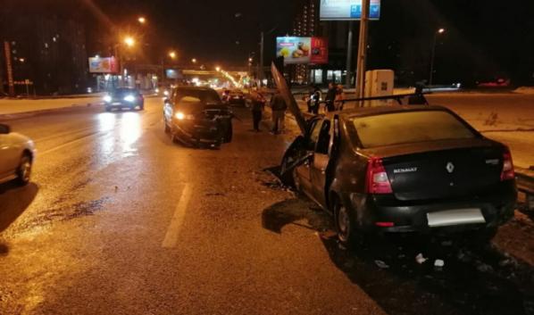 В столкновении пострадали восемь человек.