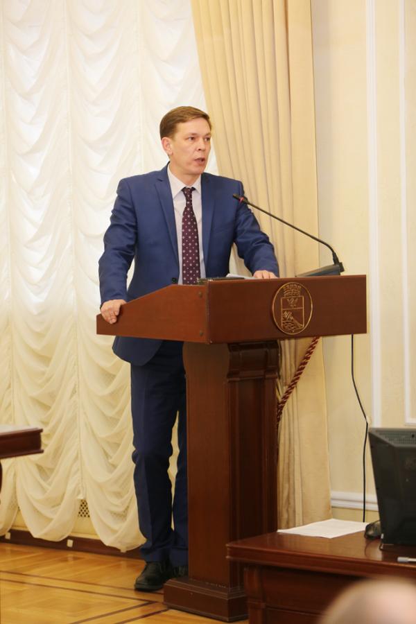 Олег Котов.