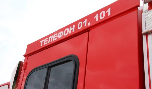 С огнем боролись 7 спасателей.