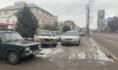 Воронежцы массово ставят машины на тротуары.