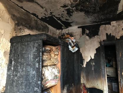После пожара обнаружили тела двух человек.
