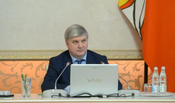 Воронежский губернатор выразил соболезнования родным умершей пациентки с коронавирусом.