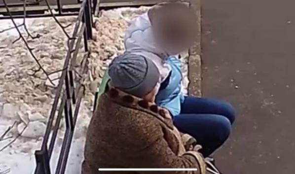 Женщина похищала деньги у доверчивых пенсионеров.
