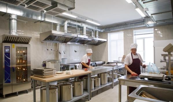 Младшеклассники в Воронежской области начнут бесплатно получать горячие обеды с 1 сентября 2020 года.