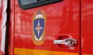 С огнем боролись 12 спасателей.