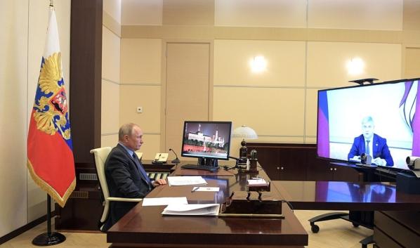 Встреча президента с губернатором Воронежской области Александром Гусевым.