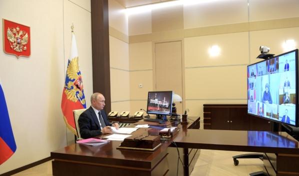 Президент заявил об этом на совещании с руководителями субъектов Федерации по вопросам противодействия распространению коронавируса.