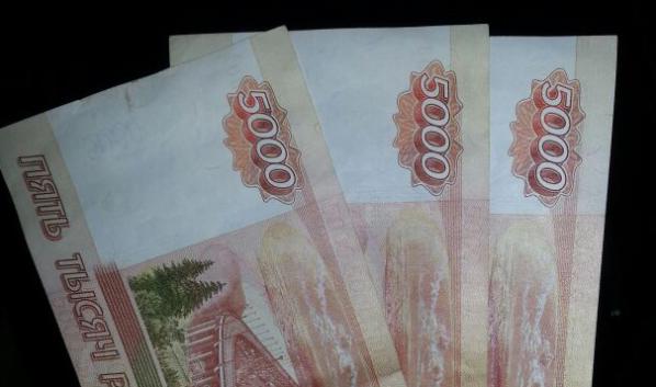 Семьи получат 15 тысяч рублей за три месяца.