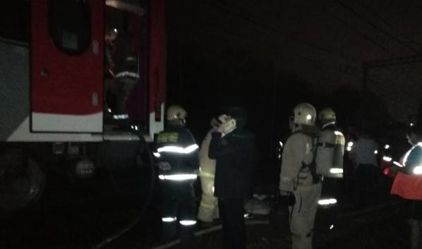 Возгорание произошло в поезде.