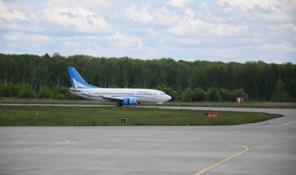 Самолет приземлился в Воронеже.