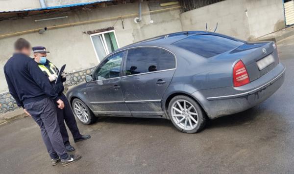 Полицейские поймали злостного неплательщика штрафов.